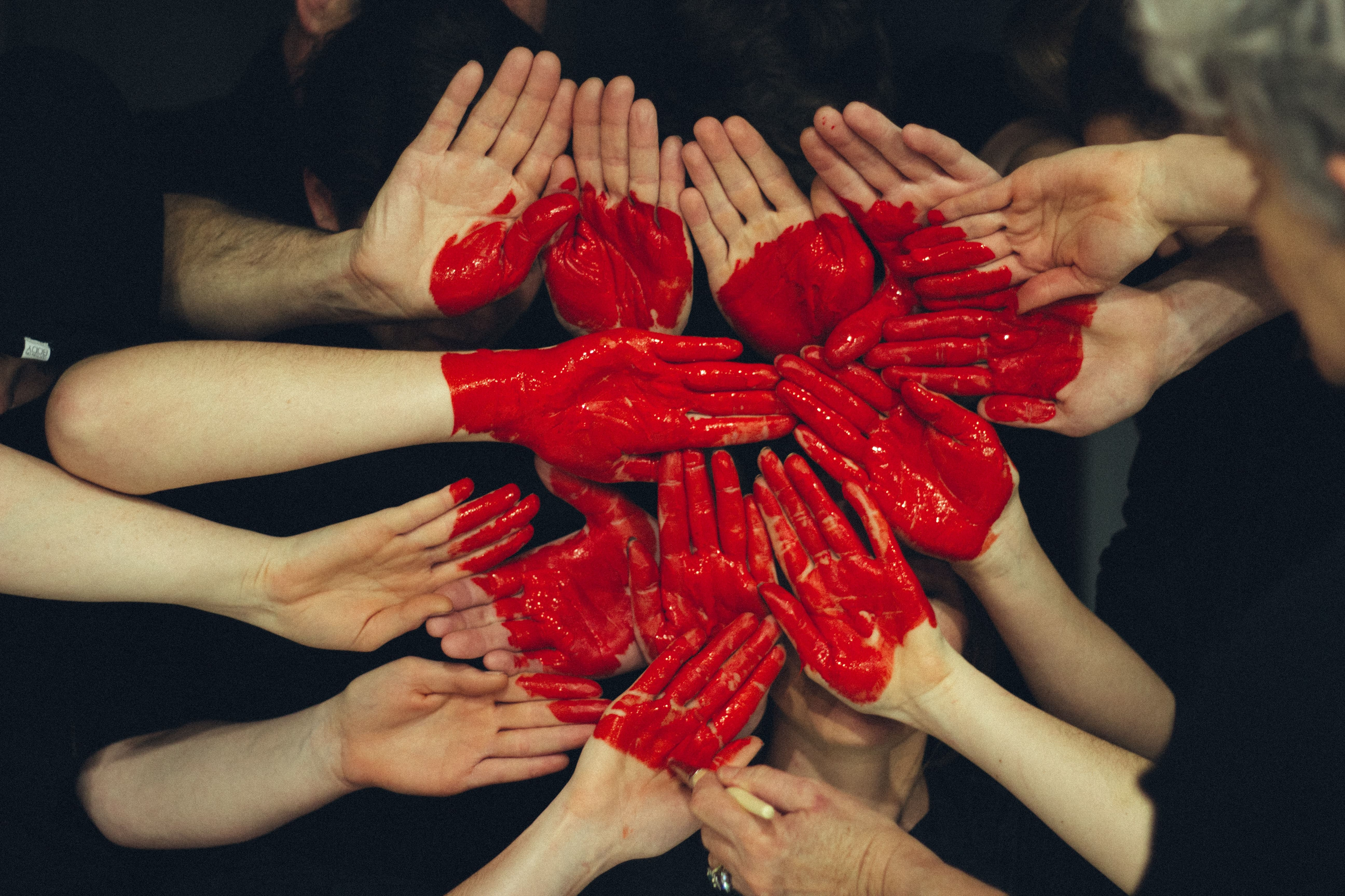 hands in shape of heart communicate expat
